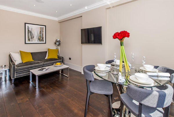 Luxury 2 Bed Apartment, Chelsea